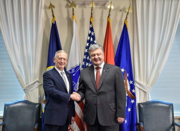 Порошенко и глава Пентагона обсудили вопрос миротворческой миссии ООН на Донбассе