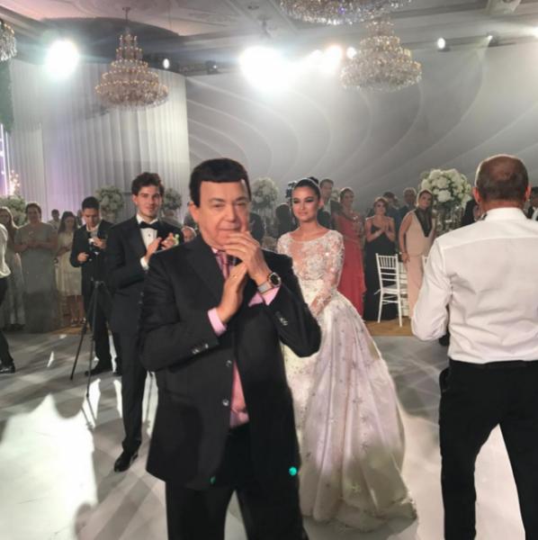 Свадьбу дочери Михаила Турецкого признали самой роскошной в текущем сезоне