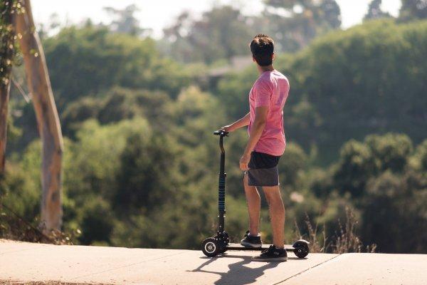 Фирма LeEco показала гибридный Scooterboard