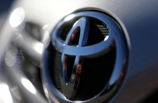 Toyota инвестирует в сингапурскую компанию Grab