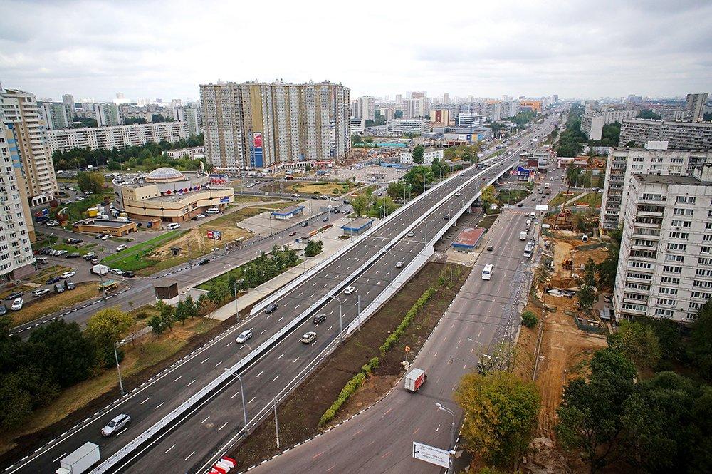 Вавтомобиле наВаршавском шоссе в столицеРФ обнаружили мужское тело