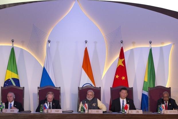 Путин выступил запереход накредитование ввалютах стран БРИКС