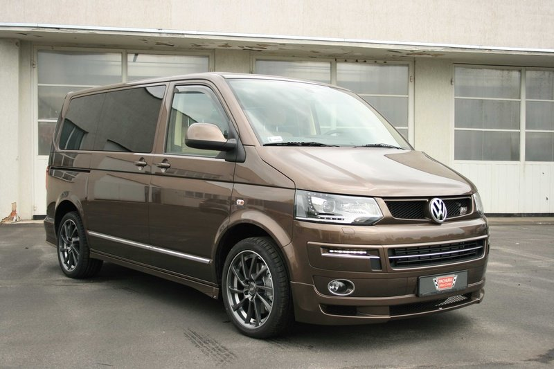 В РФ отзывают 7,7 тысячи авто VW Multivan