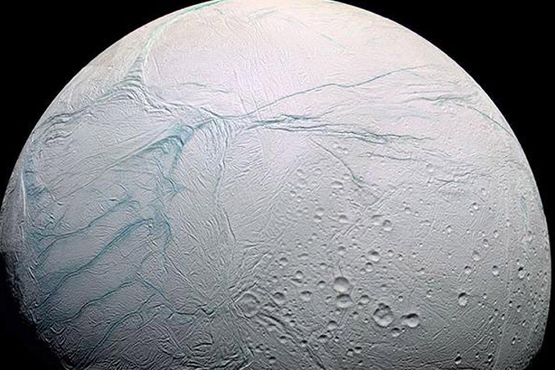 Зон Cassini обнародовал последние фотографии Энцелада