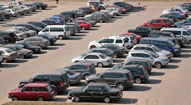 Исследование «Автостата»: натысячу граждан России приходится 290 легковых авто