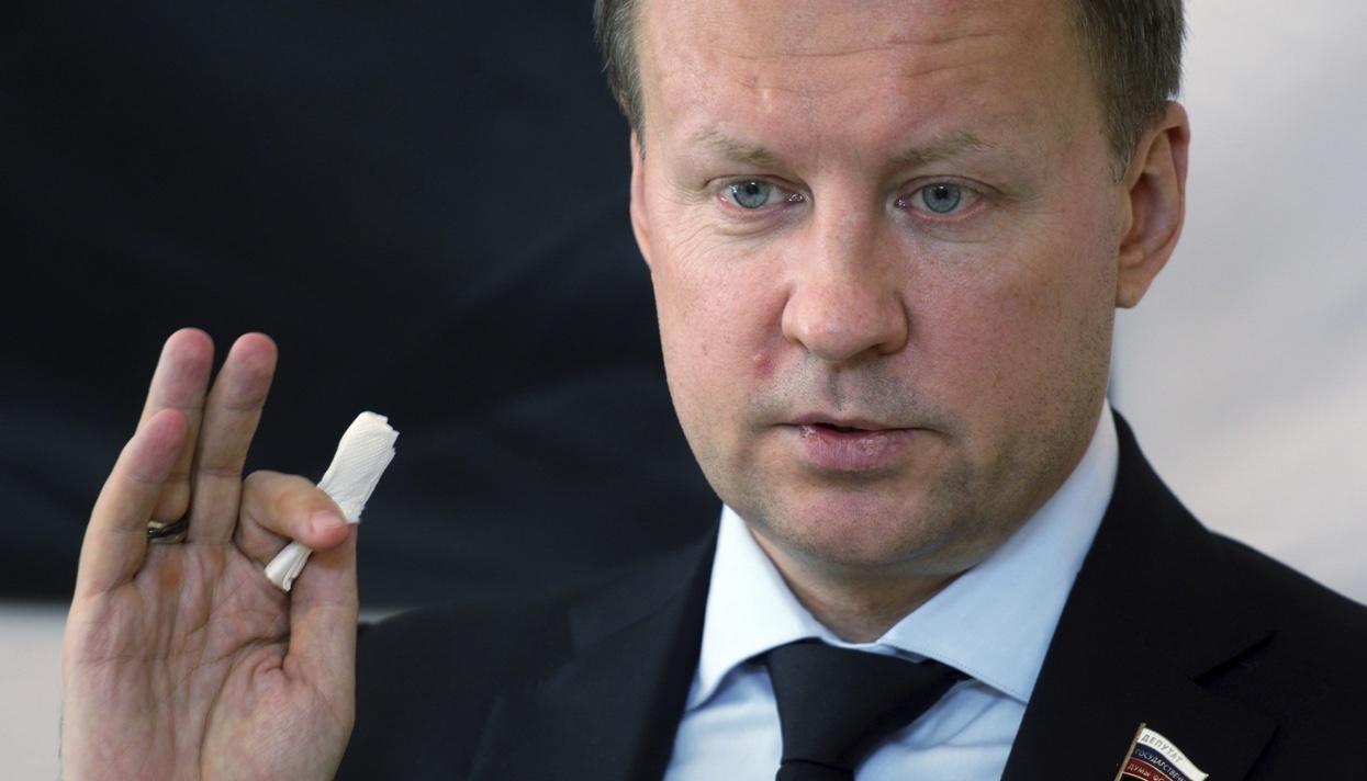 Возмущенная Максакова строго осудила объявление сына Вороненкова