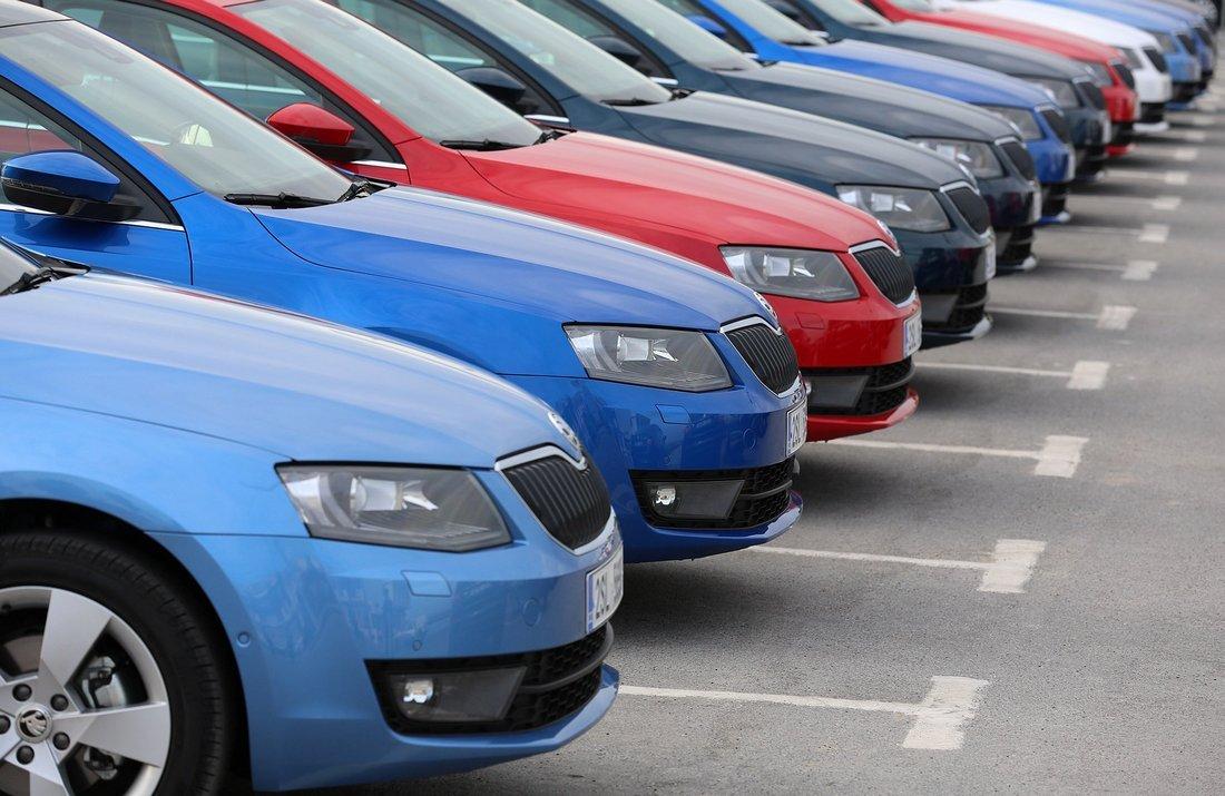 Рост продаж новых автомобилей в РФ замедлился до 16,7% в августе