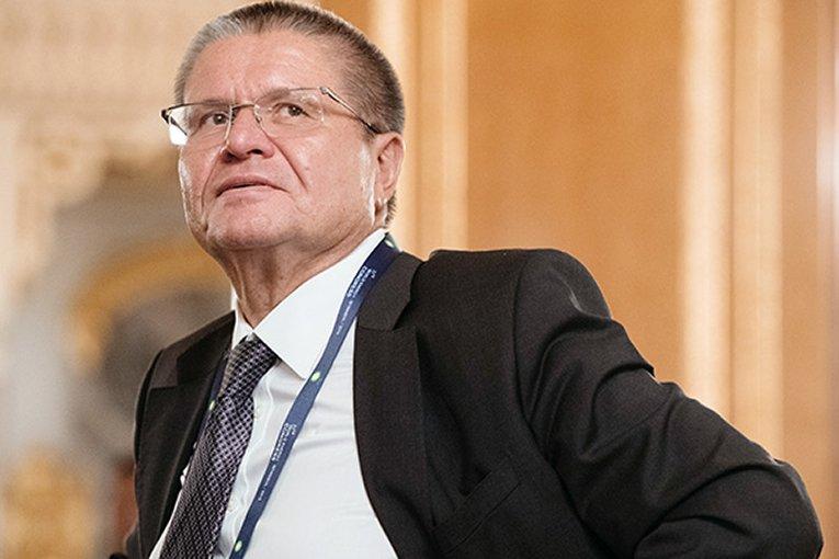 Игорь Сечин назвал корзинку сосвоей колбасой «негодным объектом»
