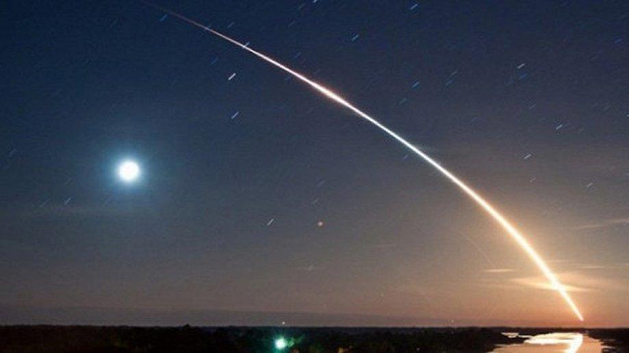 Камеры МКС вновь засекли два броских НЛО