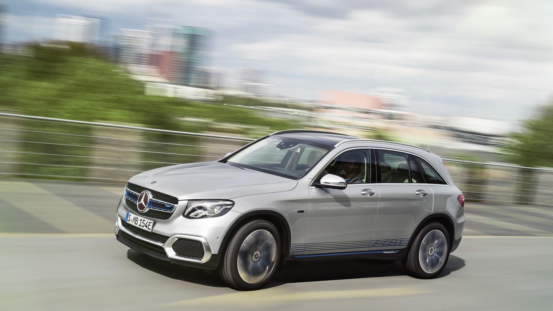 Mercedes представил 1-ый автомобиль сводородной топливной системой GLC F-Cell