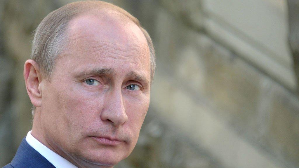 ПосольствоРФ вГермании ожидает извинений заоскорбление В. Путина вжурнале