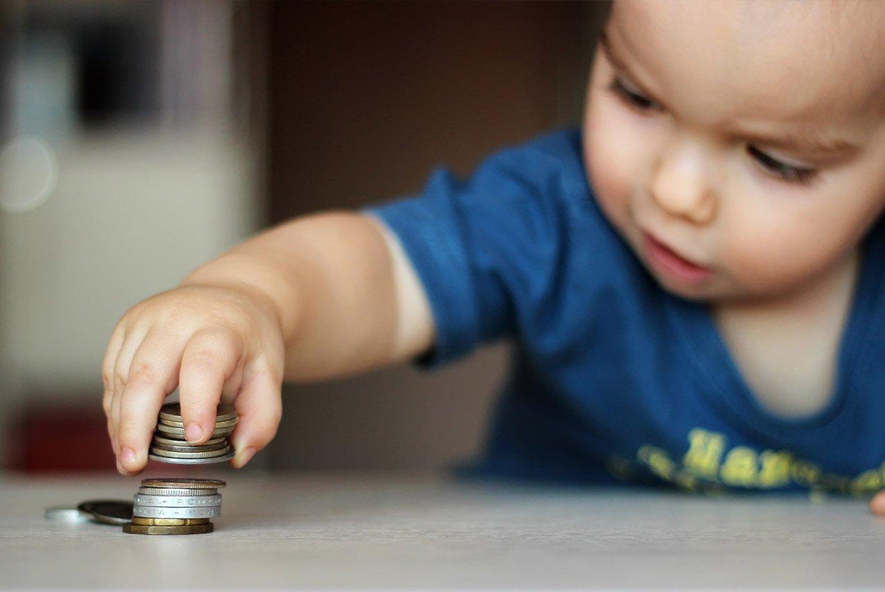 ВПетербурге посоветовали увеличить маленькое детское пособие в70 раз