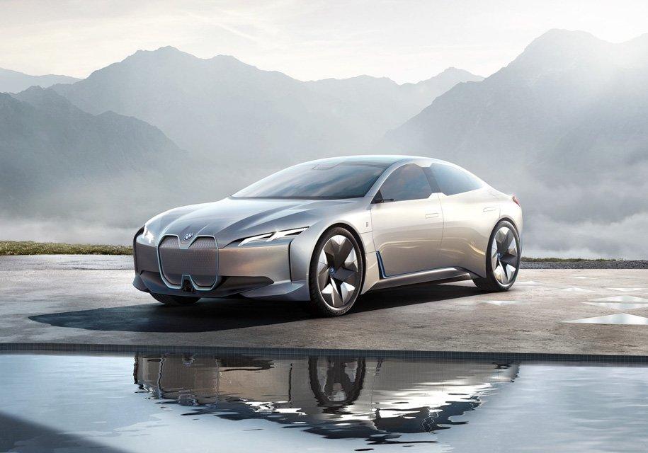 BMW представила электрокар с запасом хода 600