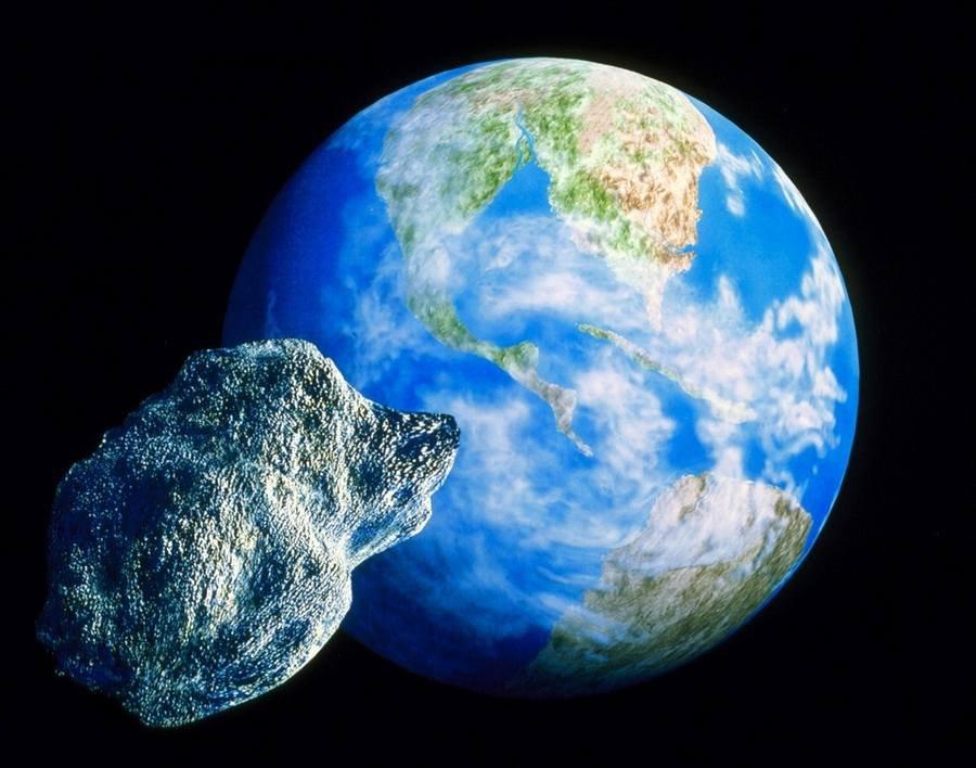 Астрономы: ночью мимо Земли пролетел астероид размером сМГУ