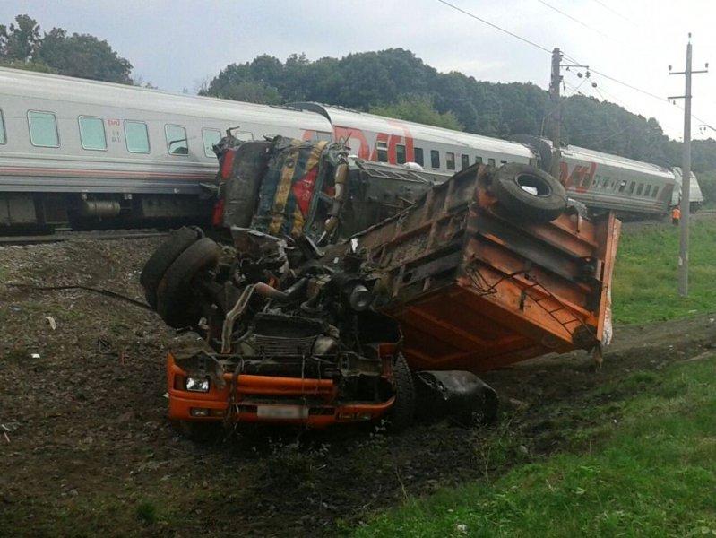 Пермяк, пострадавший при столкновении грузового автомобиля ипоезда, скончался в клинике