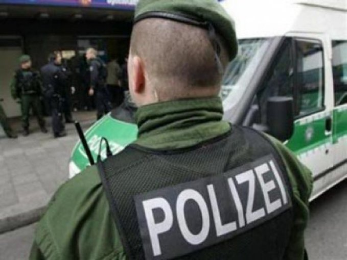 ВГермании четверо беженцев изнасиловали пожилую беженку
