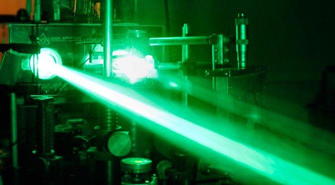 Ученым удалось зарядить телефон нарасстоянии 1,5км при помощи лазера