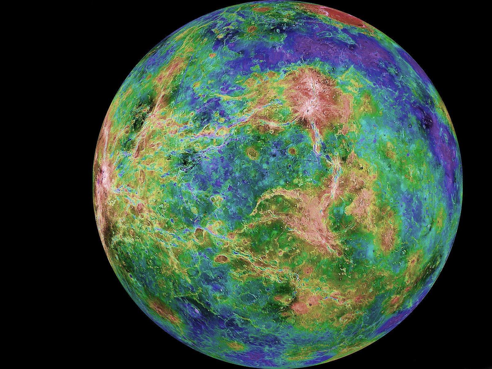 Ученые смогли изучить облака на черной стороне Венеры