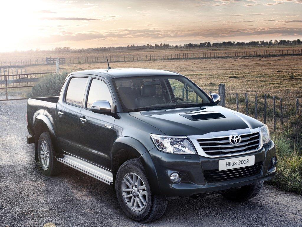 Тойота отзывает неменее 300 авто в РФ из-за сложностей сподушками безопасности