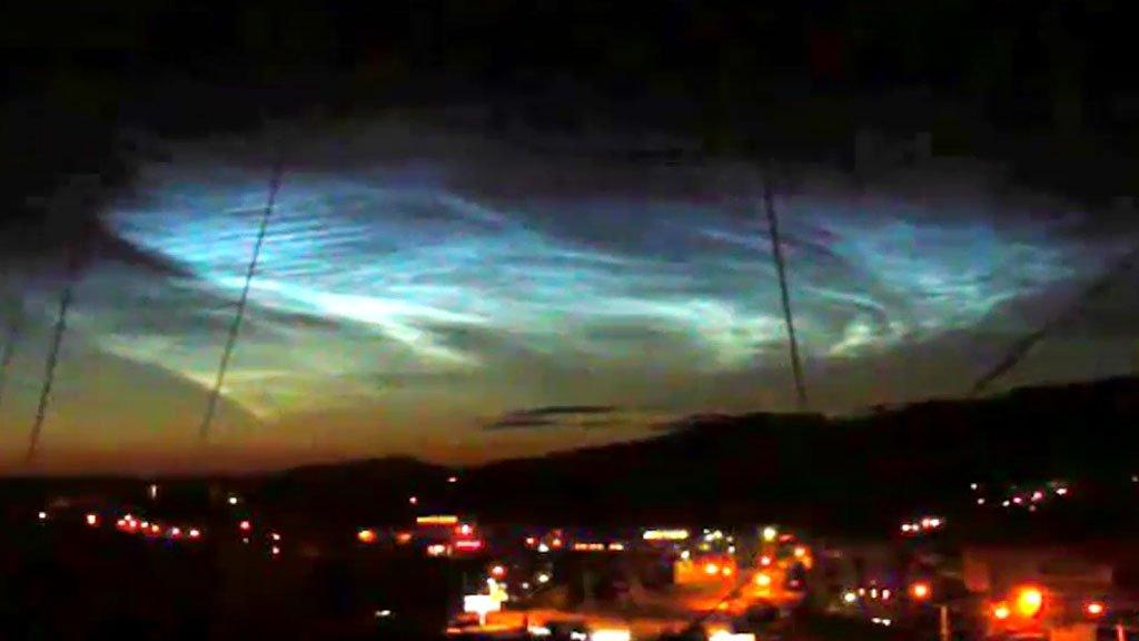 «Конец света грядет»: внепонятном свечении тюменцы разглядели НЛО