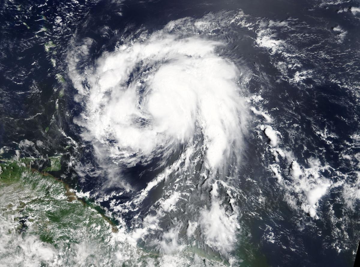 NASA опубликовало видео процесса формирования разрушительного урагана «Мария»