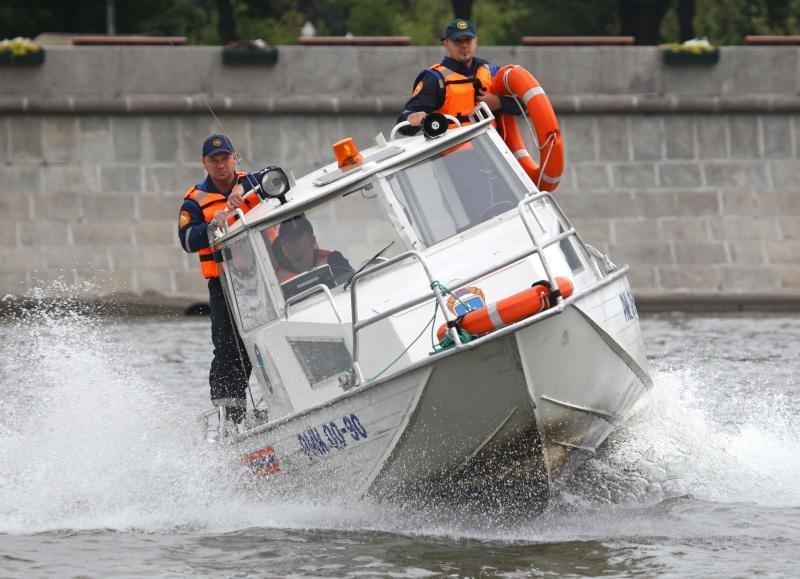 Спасенный изМосквы-реки ребенок прыгал вводу внеположенном месте