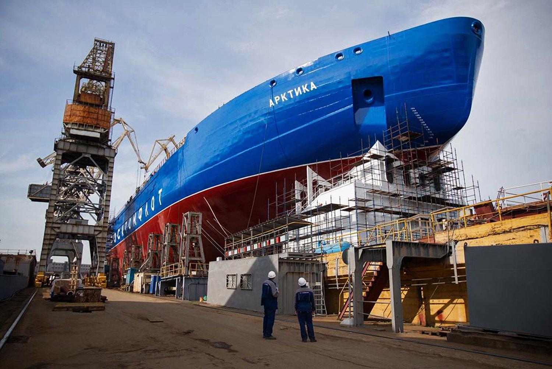 Как вПетербурге спускали наводу крупнейший вмире ледокол— Покоритель Арктики