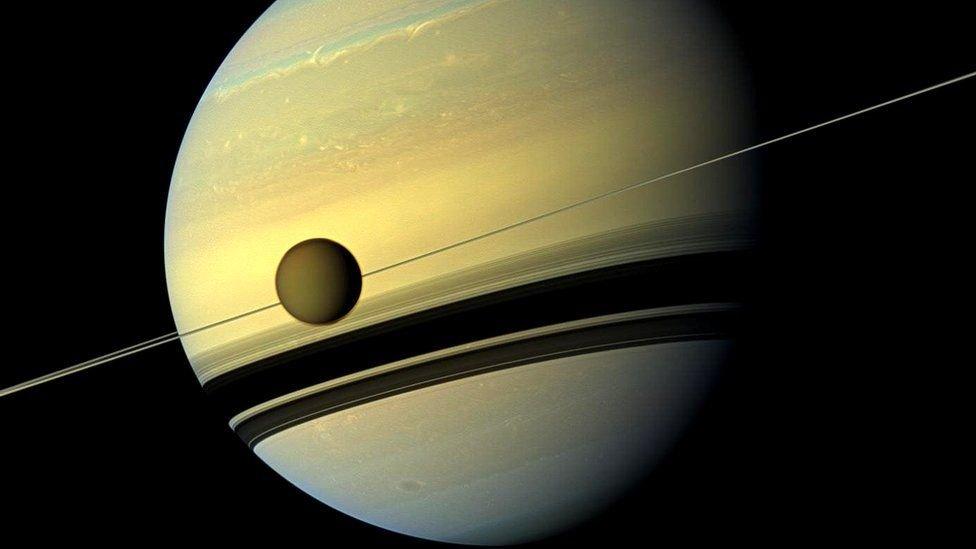 Космический зонд «Кассини» заснял тайный объект перед тем, как разбиться