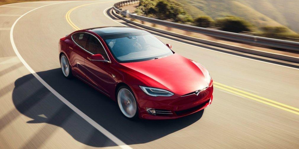 Tesla откажется отвыпуска самой дешевой версии электрокара Model S
