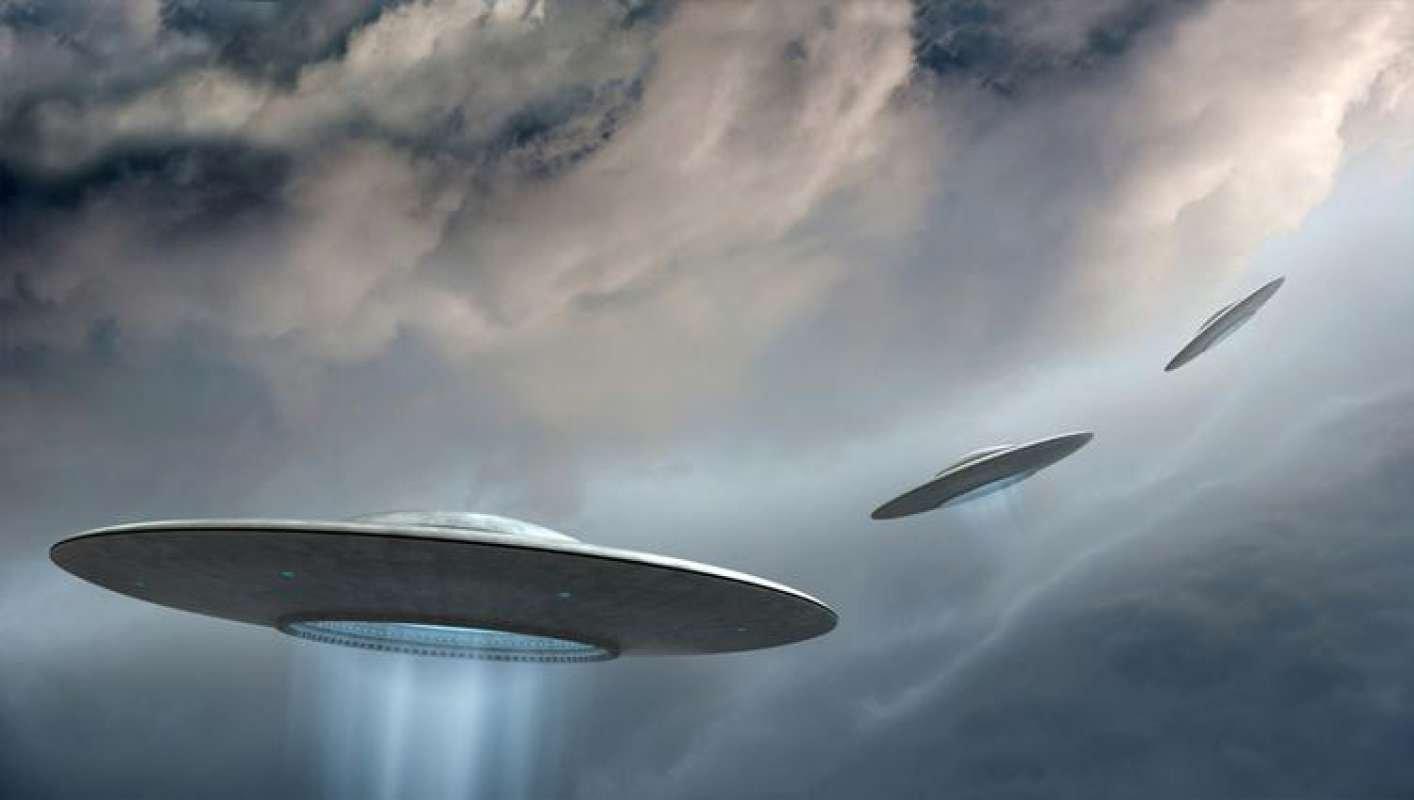Стали известны шокирующие детали приближения кЗемле свыше сотни НЛО