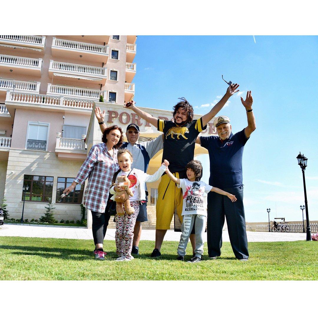 киркоров дома с семьей фото нем есть