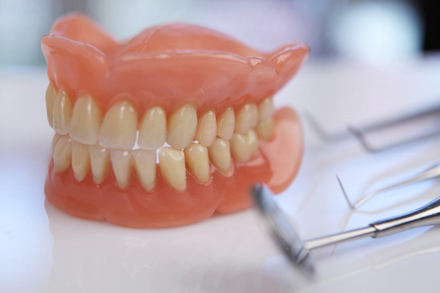 Изготовление зубов своими руками