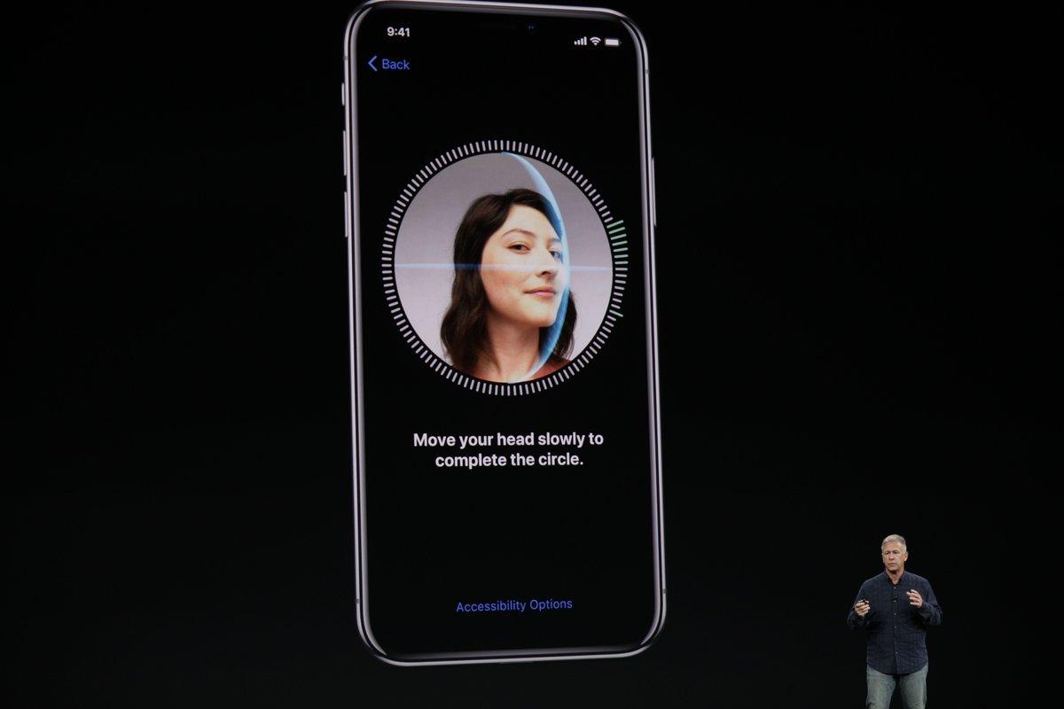Apple предупредила о неожиданных свойствах Face ID нового iPhone X