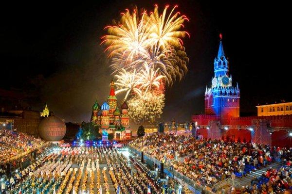 Звезды российской эстрады поздравили Москву с Днем города