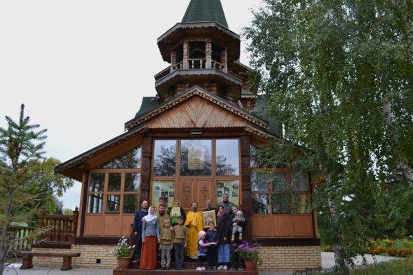 В Омске провели автопробег против фильма «Матильда»