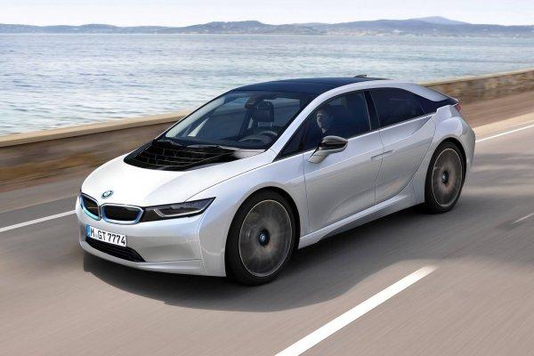К 2025 году BMW выпустит 12 электрокаров