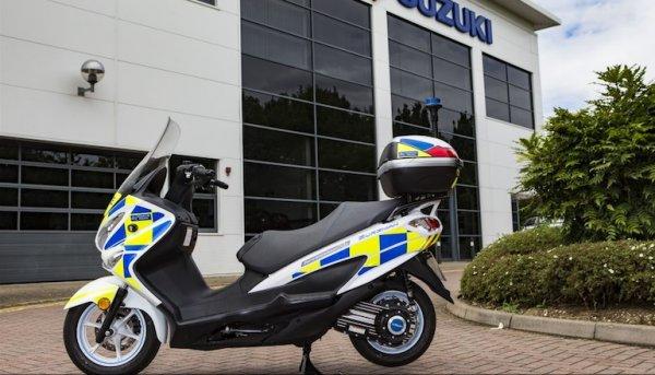 Полиция Лондона пересядет на водородные скутеры Suzuki