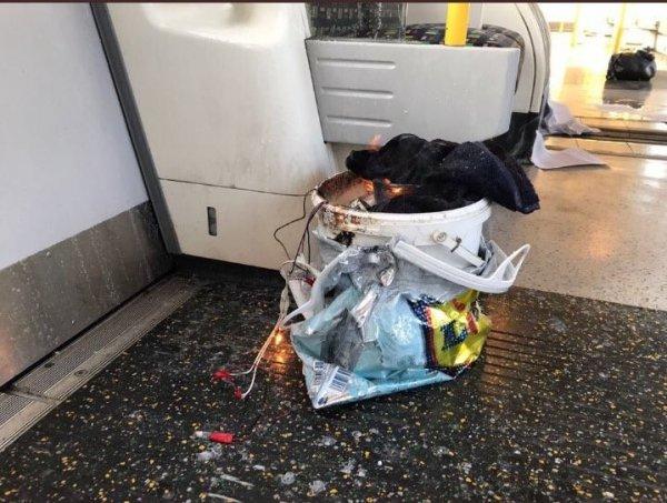 СМИ сообщили о второй несработавшей бомбе в метро в Лондоне