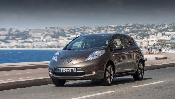 Молния поразила стоявший на зарядке электрокар Nissan Leaf в Эстонии