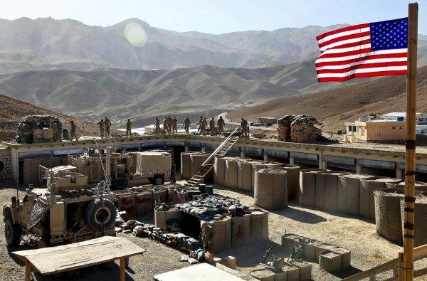 Боевики ИГИЛ атаковали военную базу США в Ираке