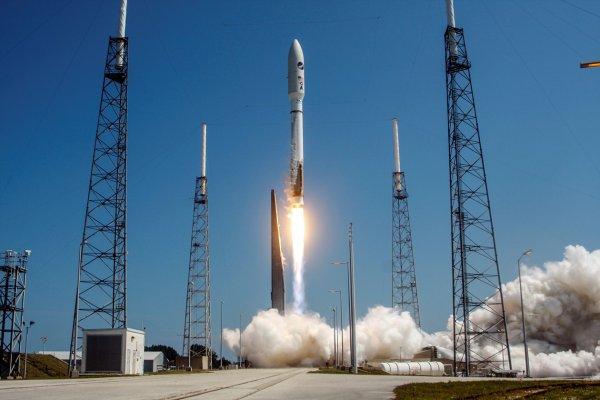 В Калифорнии запустили ракету Atlas V со спутником-шпионом: Почему установка до сих пор засекречена?