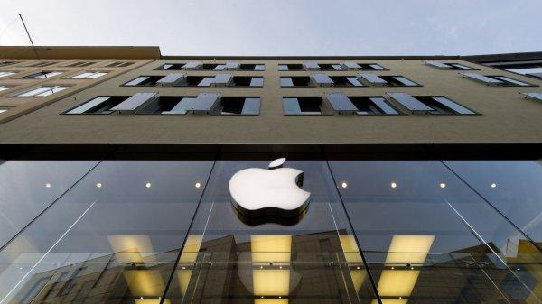 Apple без вреда для iPhone увеличит мощность беспроводной зарядки