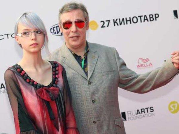 Дочь Ефремова пришла на