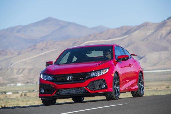 Названы цены на все комплектации Honda Civic 2018