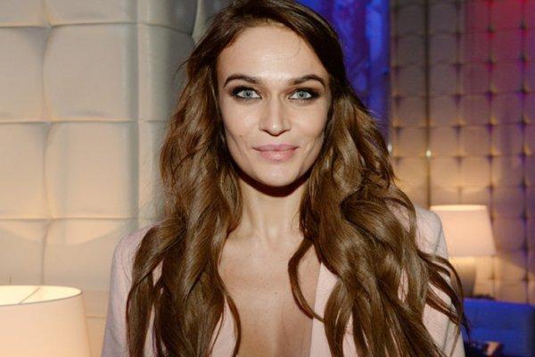 Модель Водонаева опубликовала в Сети сексуальные фото из молодости