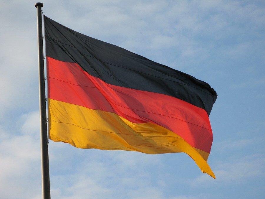 Возможность заключения однополых браков появится вГермании спервого октября
