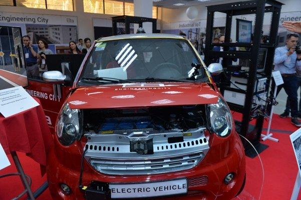 ВЕреване презентовали 1-ый электромобиль армянской сборки