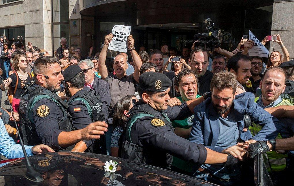 ВЕвропарламенте сообщили, что референдум онезависимости Каталонии является легитимным