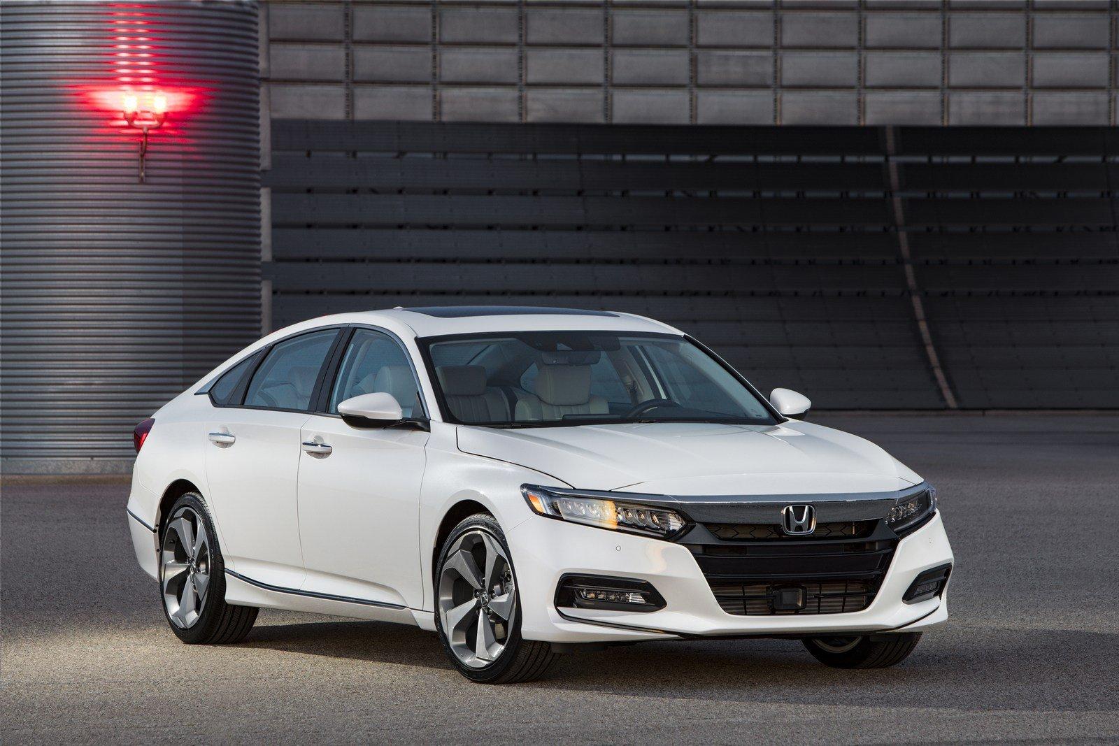 Размещены цены икомплектации нового Хонда Accord 2018