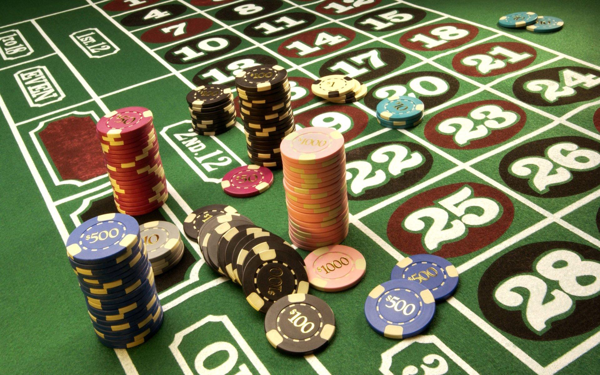 Шесть барнаульцев получили условный срок за компанию подпольного казино
